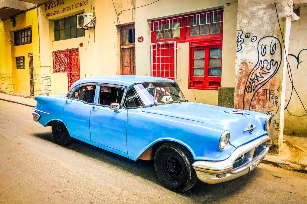 Cuban taxi colectivo