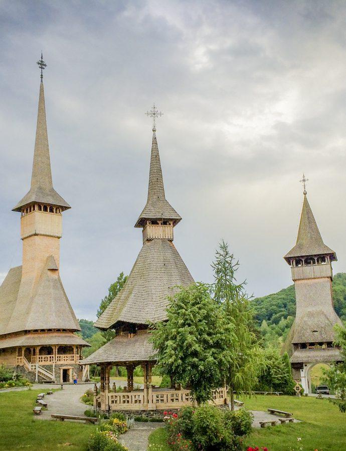 5 biserici din lemn pe care să nu le ratezi în Maramureș